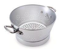 Aluminum vegetable colander