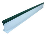 White divider green frieze